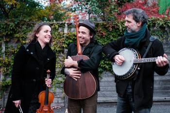 """Photo shoot with Marie-Pierre Lecault, Dominic Desrochers, and Jean-François Dumas for the launch of Bon Débarras' new album """"En panne de silence"""""""